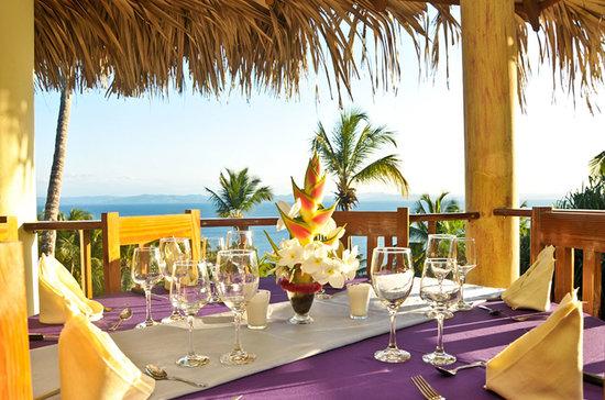 sol y luna - seafood & international cuisine in samana - picture