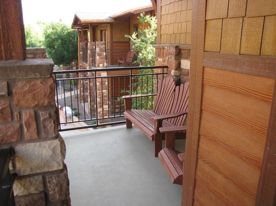 Cable Mountain Lodge: balcony