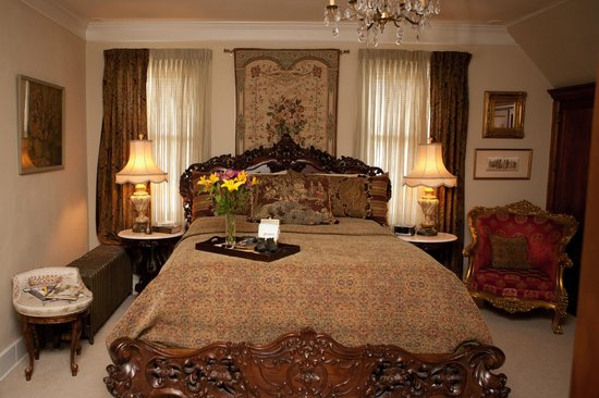 Westphal Mansion Inn Bed & Breakfast: The Margaret Mitchell Suite #6