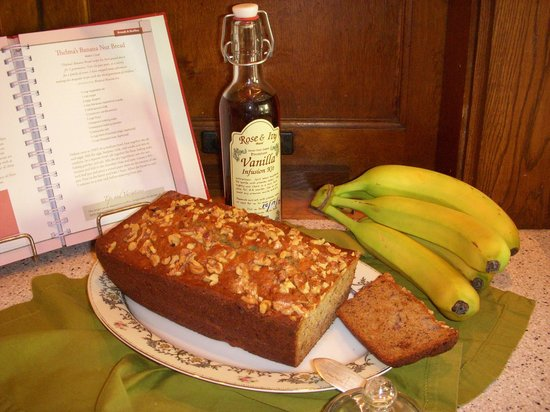 Westphal Mansion Inn Bed & Breakfast: Experience a 4 course Homemade breakfast including dessert