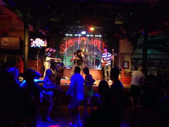 Sloppy Joe's: Dancing the night away