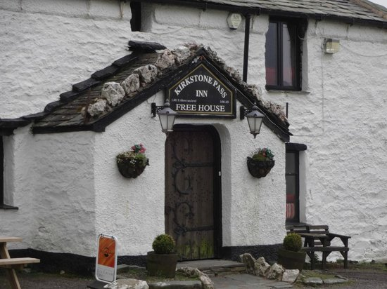 Kirkstone Pass Inn: Front Entrance