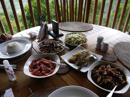 Munduk Sari Nature & Garden Villa: Cours de cuisine