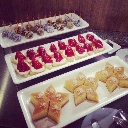 Fortuna Beach Hotel : Some desserts