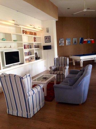 Fortuna Beach Hotel: Sitting area
