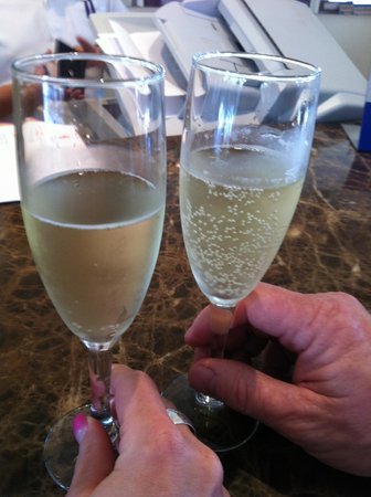 Grand Riviera Princess All Suites Resort & Spa: Champagne upon arival