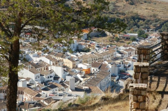 Almohalla 51 : View of town from hilltop church - amazing!