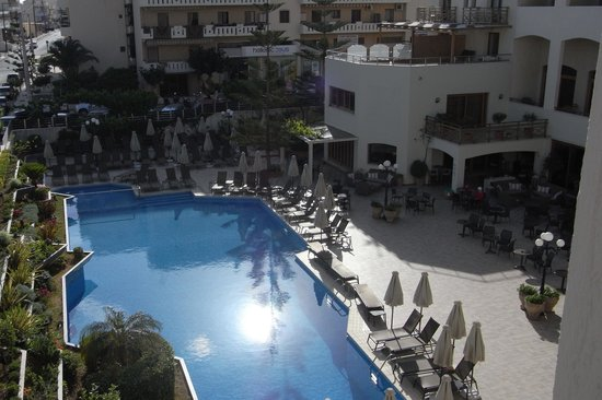 Theartemis Palace Hotel: Room view of Pool