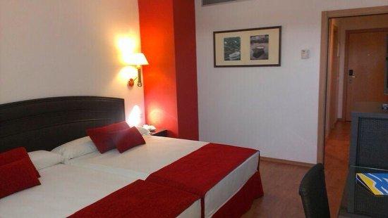 Senator Marbella Spa Hotel: Nuestra habitacin