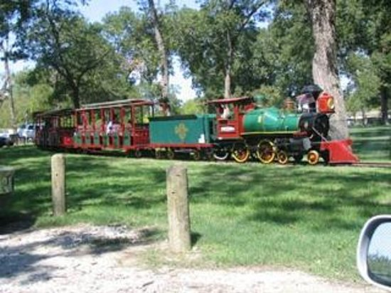 7A Ranch Resort: pioneer town train today