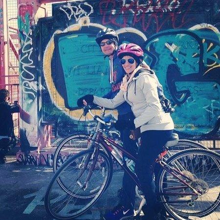 Bike the Big Apple : graffiti wall