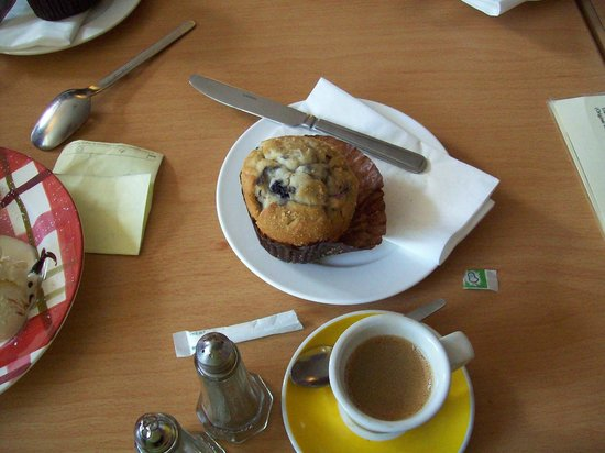The Hungry Monk Cafe: Muffin