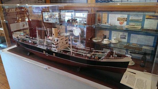 the tasman bridge collapse picture of maritime museum of. Black Bedroom Furniture Sets. Home Design Ideas