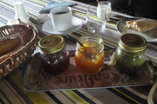 La Bidetterie : Homemade confiture for breakfast