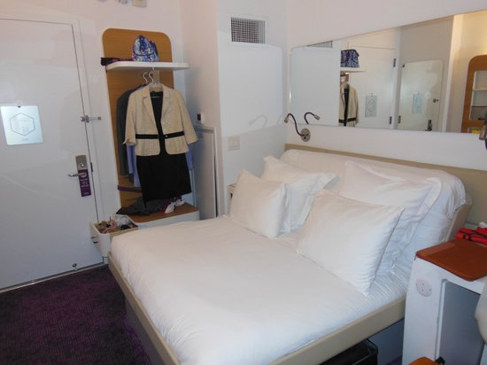 YOTEL New York at Times Square West: Camera standard