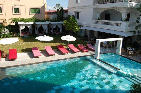 Thaiyang Chhen Hotel: Poolbereich