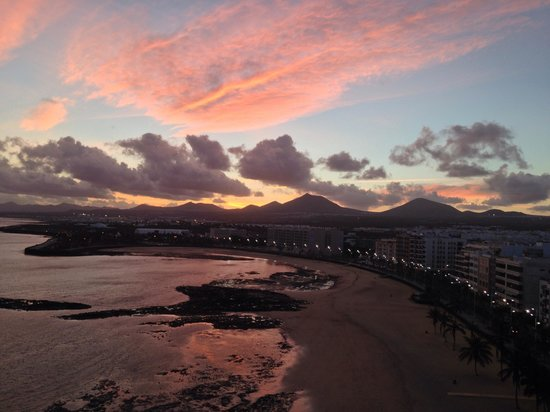 Arrecife Gran Hotel: View at sunset from the Suite!