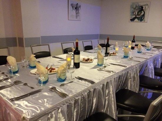 table pour un groupe le soir compris entre 12 et 16