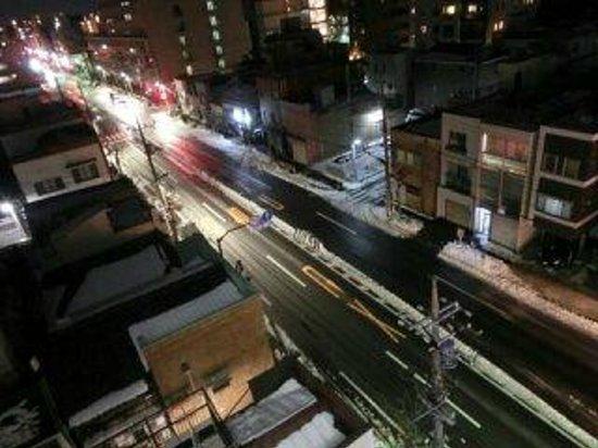 Hotel MyStays Asakusa : 道路景色