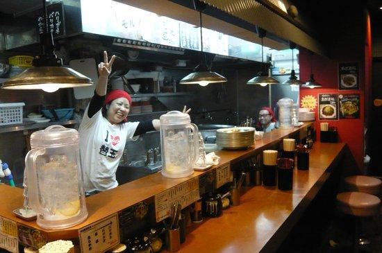 Hotel MyStays Asakusa : 對面的拉麵店