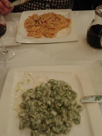 Da Michele: Gnocchi met gorgonzola, Penne met zalm