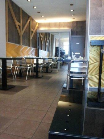 Hotel Maubeuge Gare Du Nord : Salle petit Déjeuner