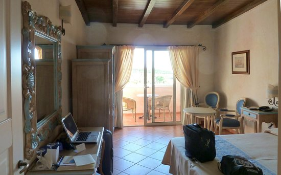 Colonna Resort: interno camera