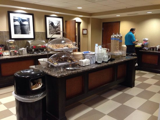 Hampton Inn and Suites - Dallas Allen: Lots of breakfast choices