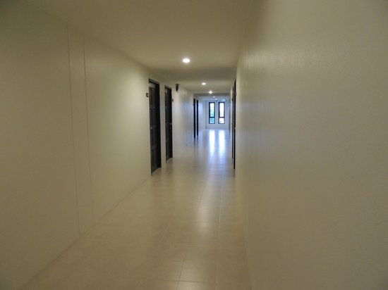 G.House: Corridor