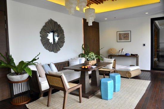 Cape Nidhra : Eingangsbereich Suite