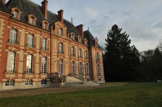 Chateau le Corvier : le chateau vue de dos