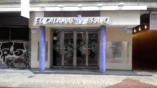 El Calamar Bravo: La entrada