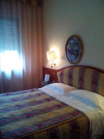 Hotel Romana Residence: HABITACION