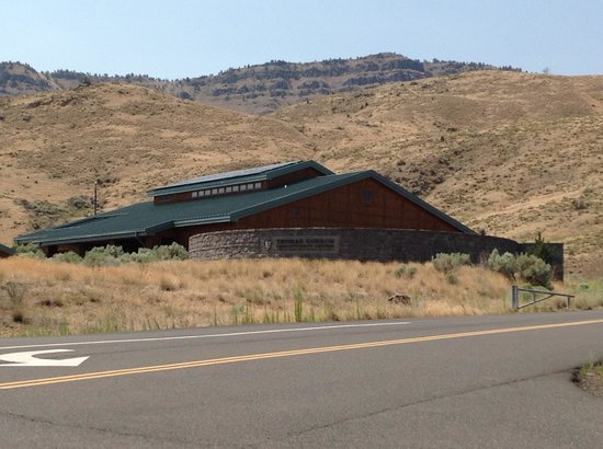 John Day Fossil Beds National Monument: Visitor Center