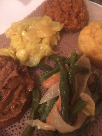 Gojo Ethiopian Restaurant: Another shot of vegetarian sampler.
