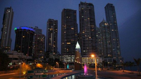 Vista Nocturna Hotel Plaza Paitilla Inn
