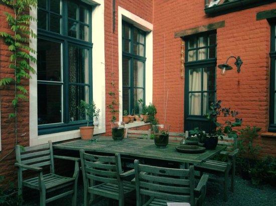 DoOr10 B&B: Outdoor terrace