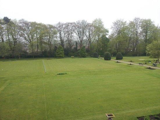 The Ripon Spa Hotel : croquet lawn also view from room 16