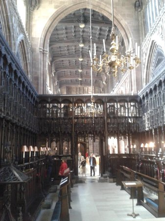 Manchester Cathedral: inside of the cathedral