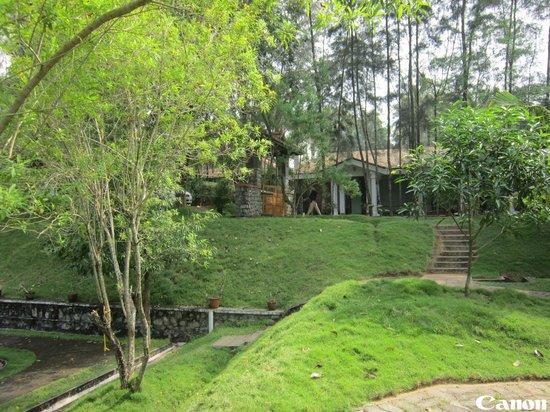 Aadithyaa Resorts Lakeside : Garden