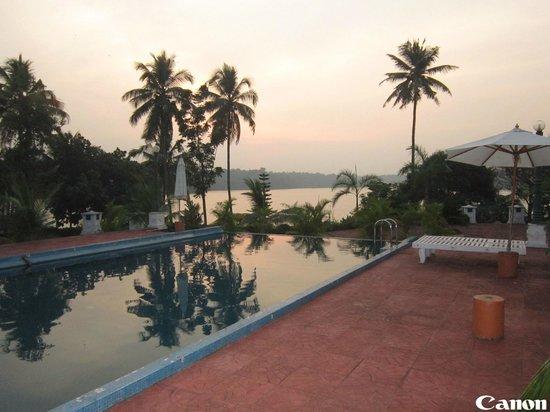 Aadithyaa Resorts Lakeside: Pool