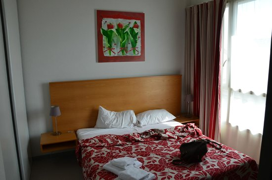 ResidHotel Galerie Tatry: chambre avec grand lit