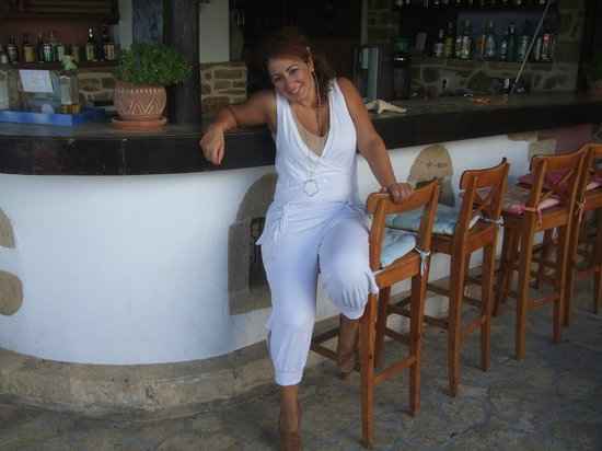 Nefeli Hotels: Maria, always smiling at the bar