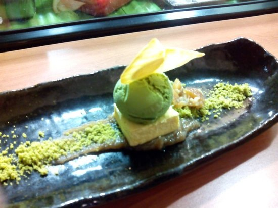 Miyama: Helado de te verde con frutos secos y confitura de castaña