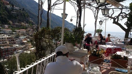 Hotel Poseidon: vista al desayunar