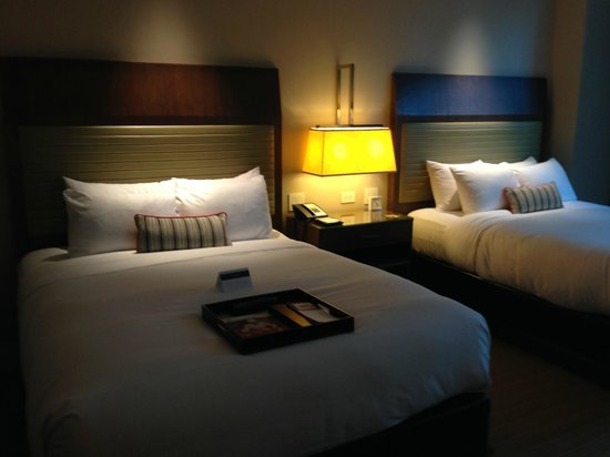 Fairmont Pittsburgh: The Beds