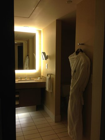 Fairmont Pittsburgh: Entry to Room