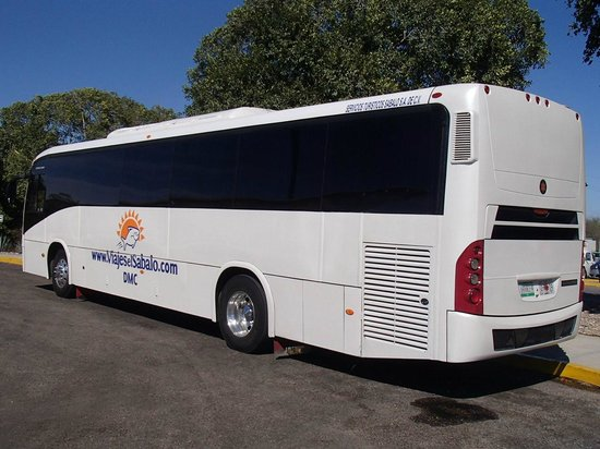 Pueblo Bonito Emerald Bay: Airport bus