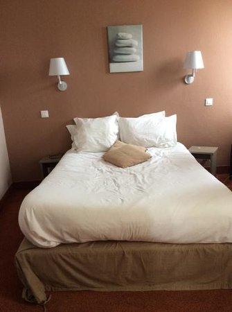 Hotel de la Marine: chambre exigue et minimalisme