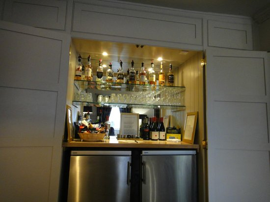 Brooks Hotel Edinburgh: The honesty bar